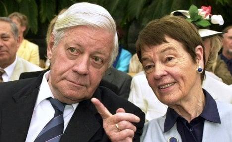 Former Chancellor Helmut Schmidt's wife Loki dies at 91