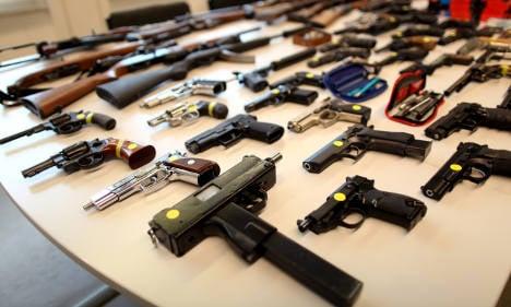 Cops find huge weapons cache in Berlin flat