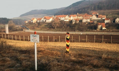 Photos show the Inner German border, then and now