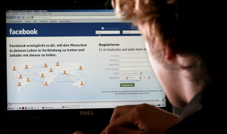Top German firms ban Facebook in the office