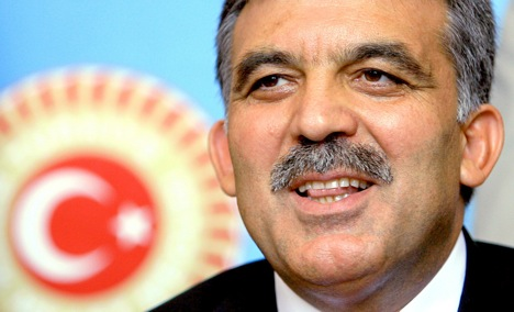 Turkish president encourages Turks to integrate in Germany