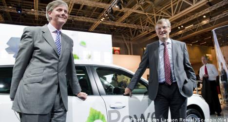 Saab owner Spyker cuts Saab 2010 sales forecast