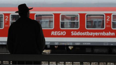 Rail delays continue despite strike's end