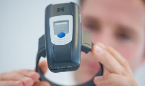 Baden-Württemberg tests first ankle monitors for prisoners