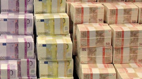 Germans hang onto cash as rest of world goes electronic