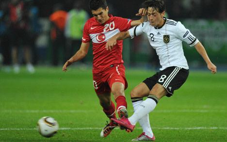 Germany's young Turk Özil sinks Turkey