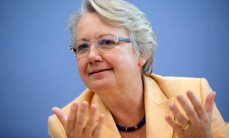 Schavan pledges foreign credentials review