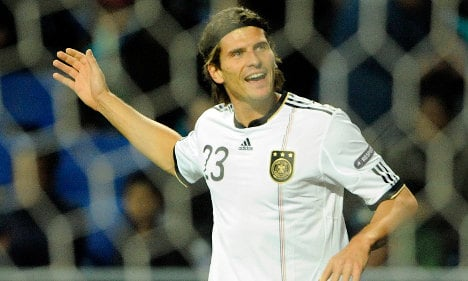 Mario Gomez tells gay footballers to come out