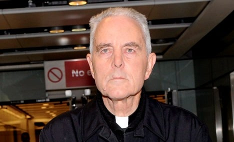 Holocaust-denying bishop to drop lawyer with neo-Nazi ties