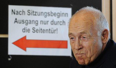 Mediator Geißler backs Stuttgart 21 rail project
