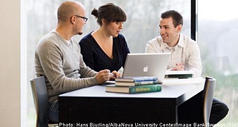 Laggard Swedish grads costly to economy: report