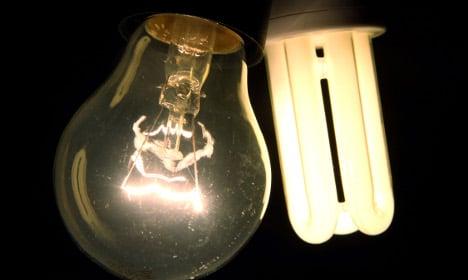 Consumer groups call for end to EU light bulb ban