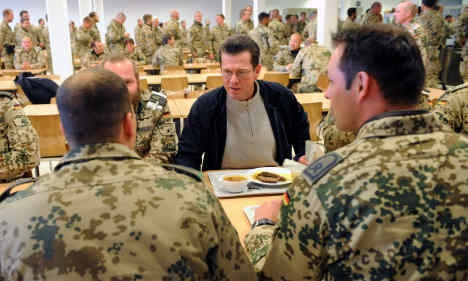 Guttenberg orders full review of armed forces