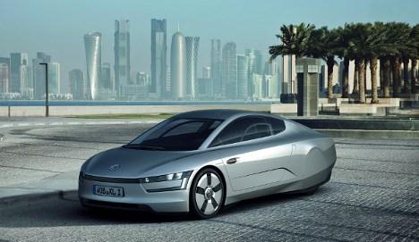 VW unveils super-efficient '1-litre' hybrid