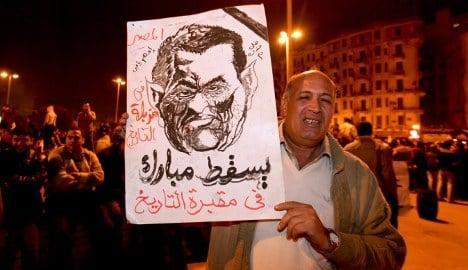 Merkel steps up pressure on Egypt's Mubarak