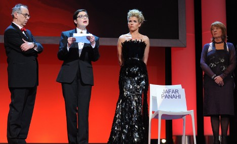 Berlinale honours jailed Iranian director