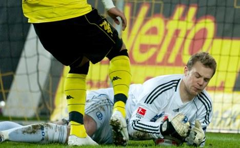 Goalie heroics save draw for Schalke