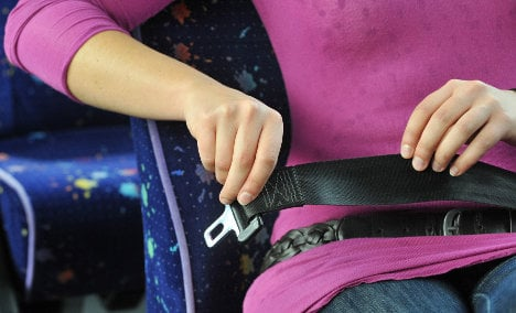 Failure to buckle-up on planes grounds for removal