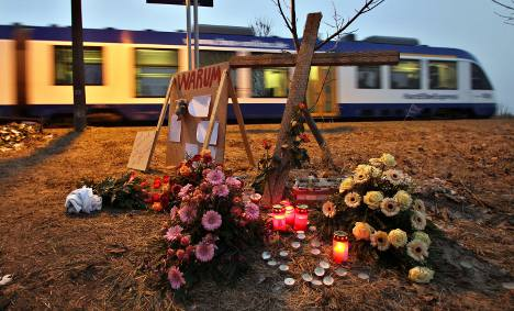Train driver ignored two stop warnings before deadly crash