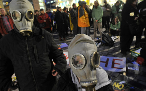 More than 100,000 protest nuclear power