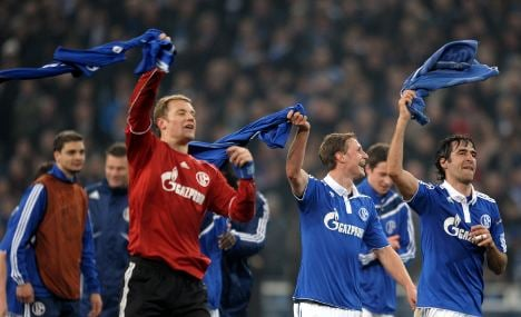 Schalke beats Valencia to make Champions League quarter-finals
