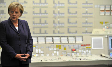 Merkel suspends nuclear power extension