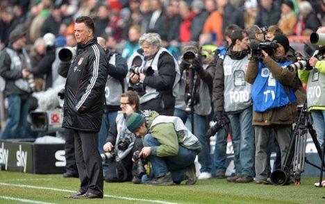 Van Gaal awaits fate as Bayern lose again