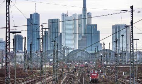 Union says no railway strikes till Tuesday