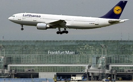 Lufthansa scans Japan flights for radioactivity