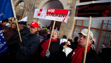 Teachers strike in eastern states