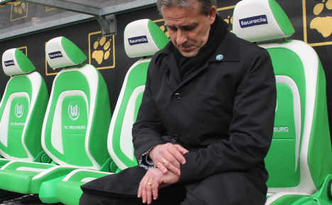 Worried Wolfsburg to punish late players with five-figure fine