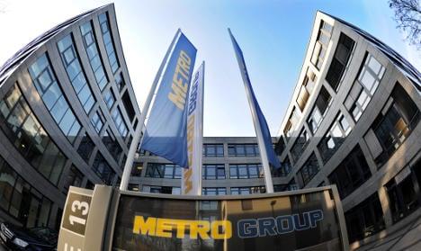 Retailer Metro warns of difficult path ahead