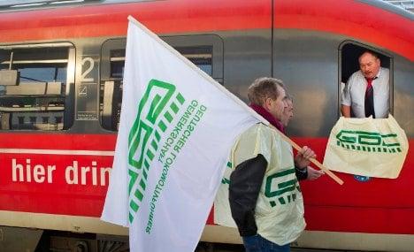 Train drivers strike again as wage battle wears on