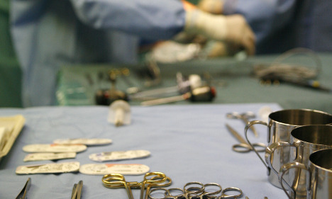 Doctors forget 16-centimetre clamp in woman's belly