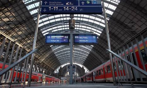 Train drivers back strike