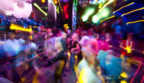 Flashmob to break Easter dance ban in Frankfurt
