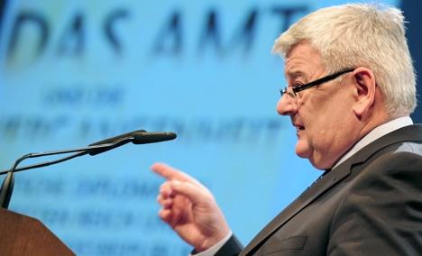 Joschka Fischer rules out chancellorship bid