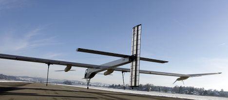 Swiss solar plane preps for Brussels flight