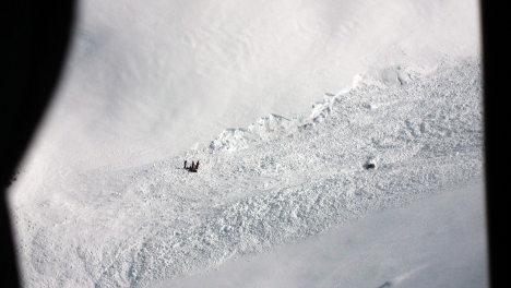 Three skiers die in gigantic Swiss avalanche