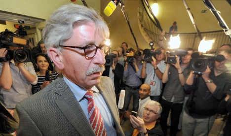 Sarrazin remains SPD member