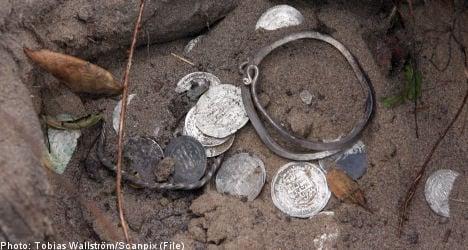 Looted Viking treasure trial gets under way