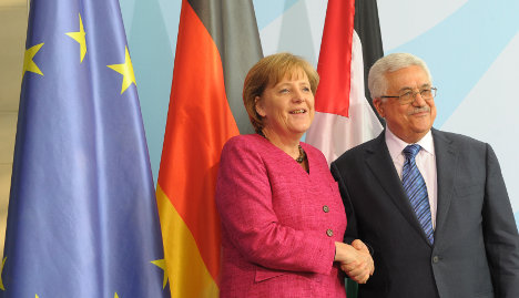 Merkel plays down French rift over Palestine