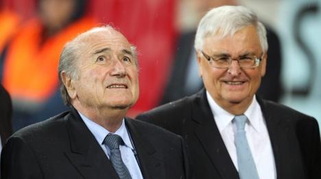 Football boss calls for Qatar bribery probe