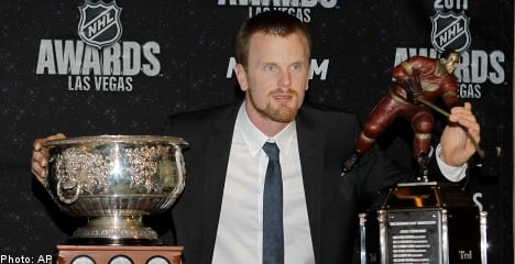 Swedes Sedin, Lidström scoop up NHL awards