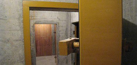 Swiss keep nuke shelters after Japan quake