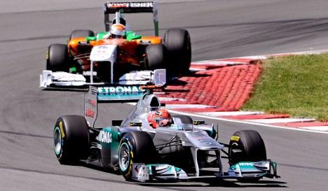 Schumacher hints at prolonging F1 return