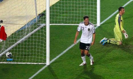 Germany sneak past Austria in Euro qualifier