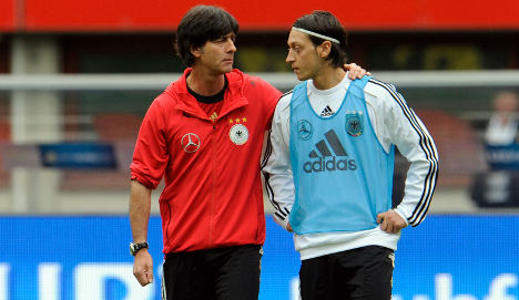 Löw expects slugfest against Austrians in Euro 2012 qualifier