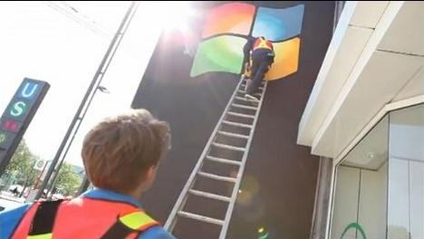 Pranksters slap Windows logo on Apple's Hamburg store