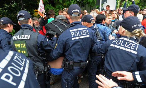Nine police injured in Stuttgart 21 clash